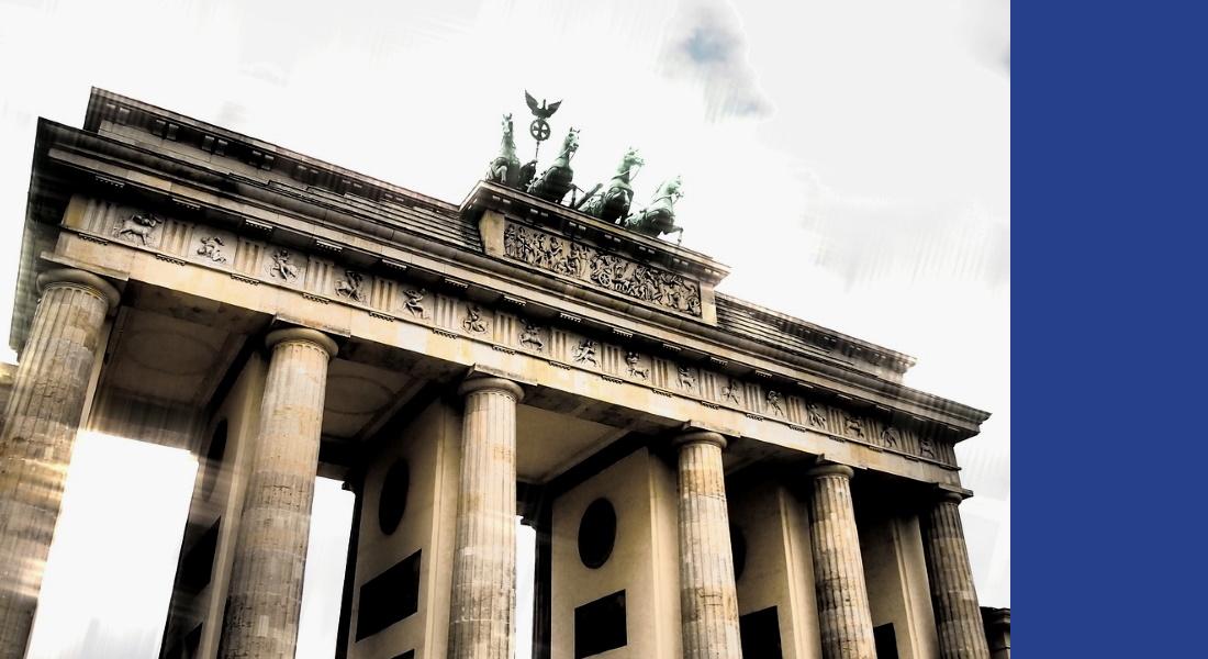 ZEITENGANG: La porte de Brandebourg à Berlin 2021. - Photos: Wikimedia Commons;  Pixabay